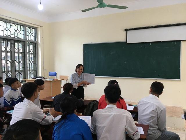 Cô giáo dạy nghề vùng cao ước mơ học sinh không chỉ học để biết mặt chữ - 2
