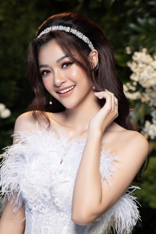 Hoa hậu Lương Thuỳ Linh và Á hậu Kiều Loan bất ngờ hoá cô dâu - 4