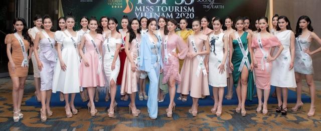 Thí sinh Hoa khôi du lịch trình diễn trang phục tái chế kết hợp cùng bikini - 1