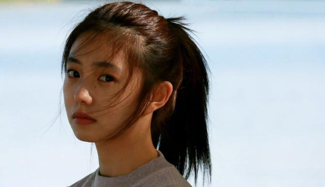 Mỹ nhân sinh năm 2000 được đạo diễn Trương Nghệ Mưu nâng đỡ - 3