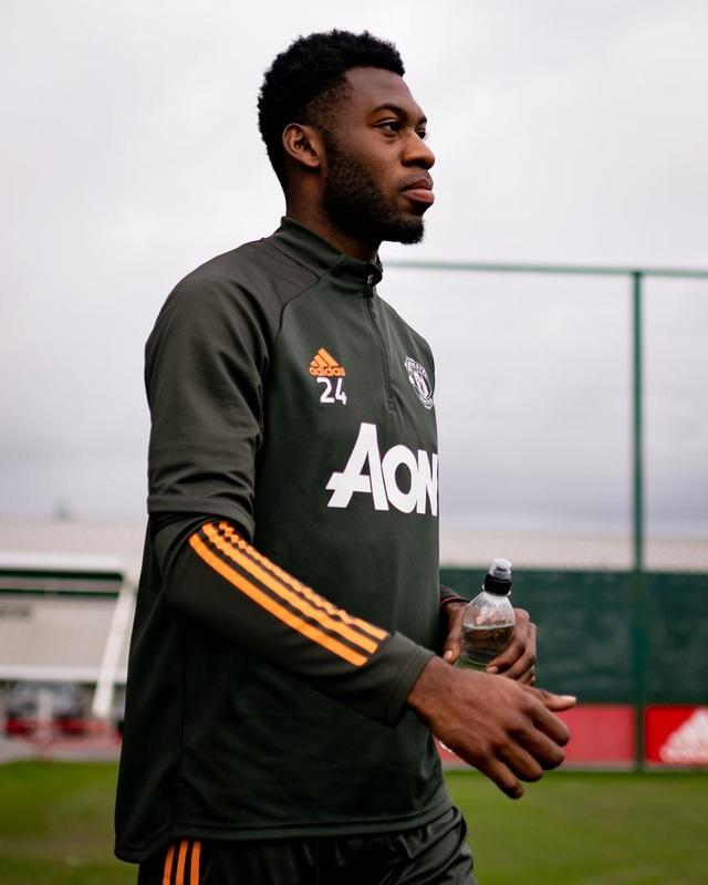 Cầu thủ Man Utd âm thầm tập luyện, chờ Premier League trở lại - 2