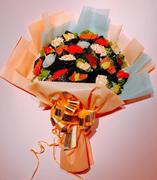 Độc lạ 20/11 năm nay: Bó hoa sushi nhìn như thật, giá tiền triệu - 3