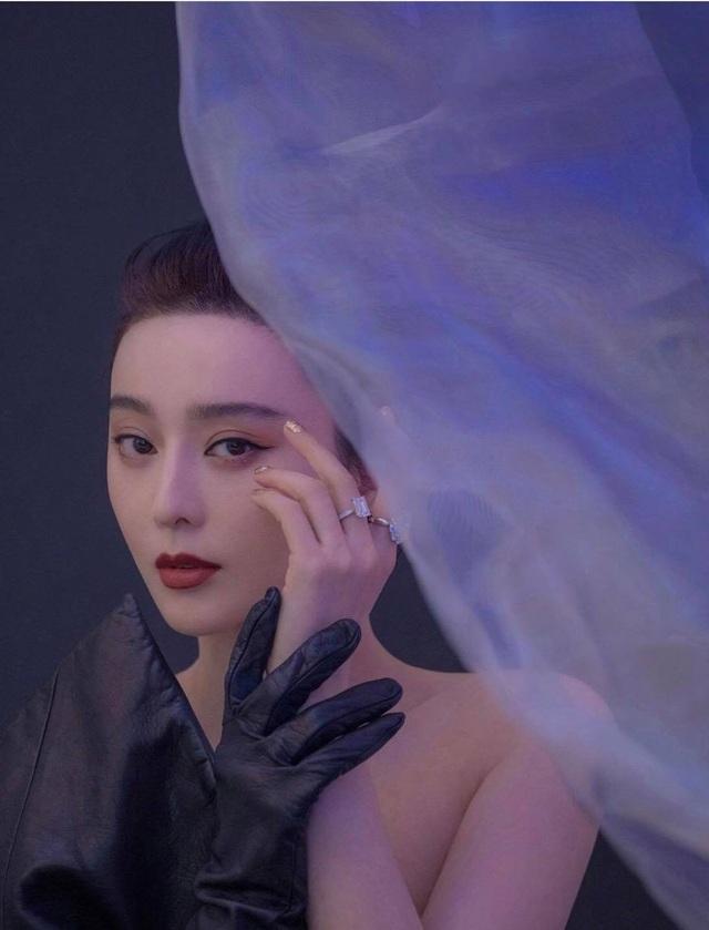 Phạm Băng Băng xuất hiện nổi bật tại đêm hội thời trang - 12