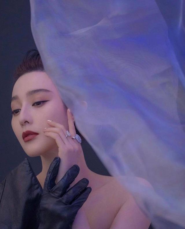 Phạm Băng Băng xuất hiện nổi bật tại đêm hội thời trang - 10