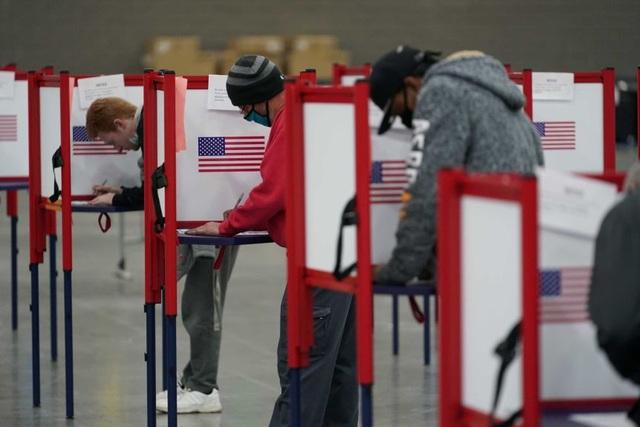 Georgia lại phát hiện gần 3.000 phiếu bị sót, phần lớn bầu cho ông Trump - 1