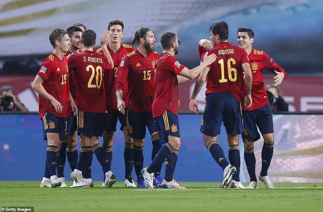 Tây Ban Nha 6-0 Đức: Cú hattrick của Ferran Torres - 4