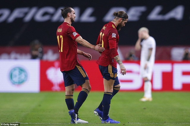 Tây Ban Nha 6-0 Đức: Cú hattrick của Ferran Torres - 5