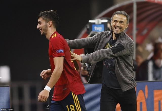 Tây Ban Nha 6-0 Đức: Cú hattrick của Ferran Torres - 8