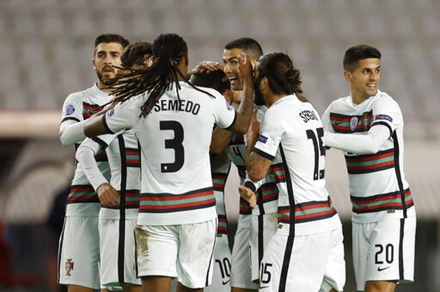 C.Ronaldo mờ nhạt, Bồ Đào Nha đánh bại Croatia nhờ bàn thắng muộn - 1