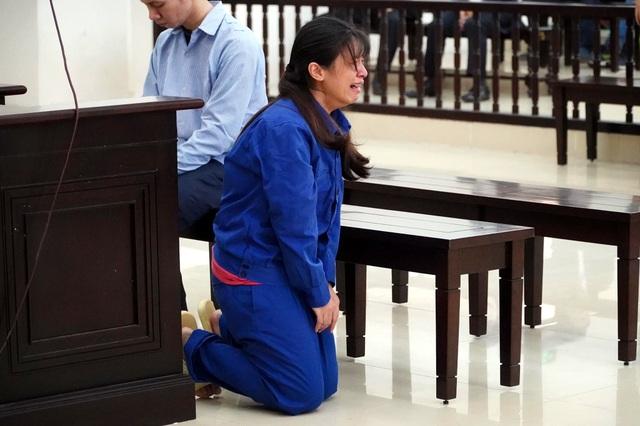 Vụ bạo hành bé gái 3 tuổi ở Hà Nội: Cha dượng bị đề nghị tử hình - 4