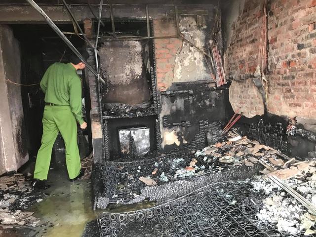 Cháy khách sạn Vinh Plaza, khách tháo chạy tán loạn - 5