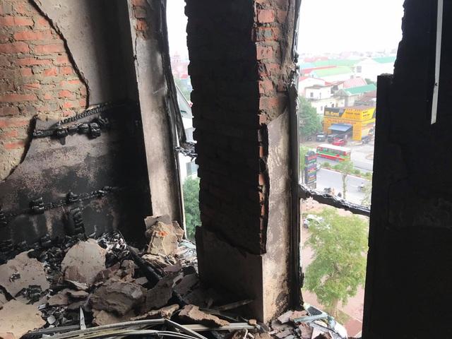 Cháy khách sạn Vinh Plaza, khách tháo chạy tán loạn - 9