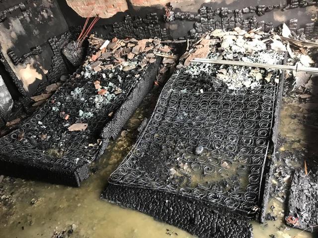 Cháy khách sạn Vinh Plaza, khách tháo chạy tán loạn - 8
