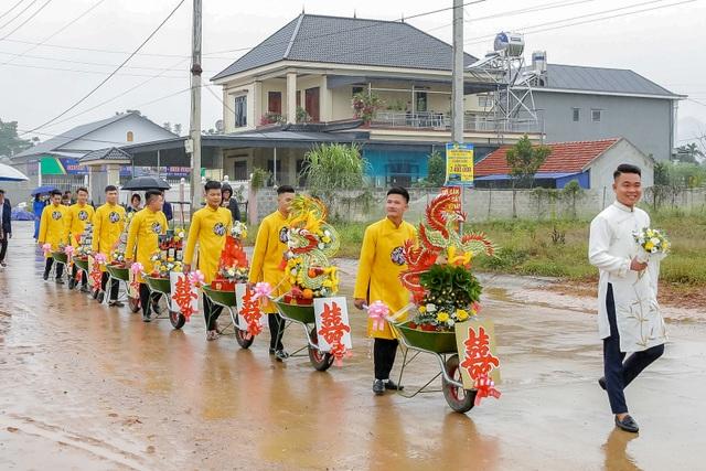Dàn xe cút kít trong đám hỏi ở Thái Nguyên gây bão cộng đồng mạng - 6