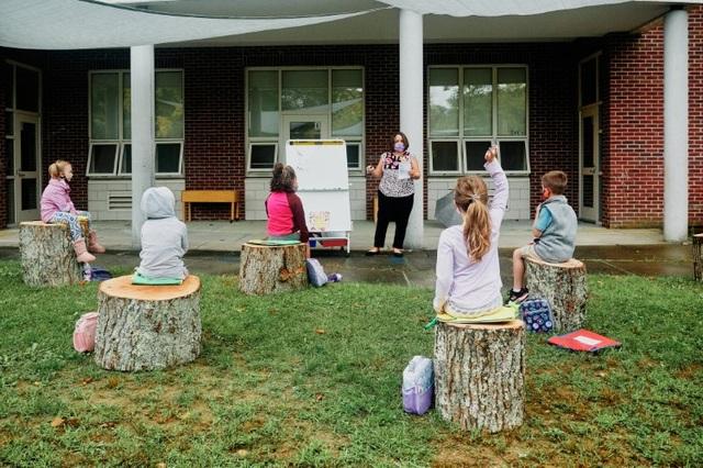 Mỹ: Các lớp học ngoài trời trong thời Covid-19 - 1