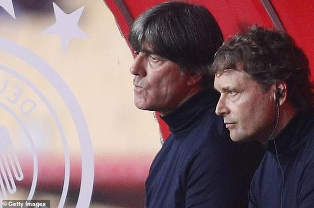 HLV Joachim Low không nói nên lời sau trận thua sốc Tây Ban Nha - 2