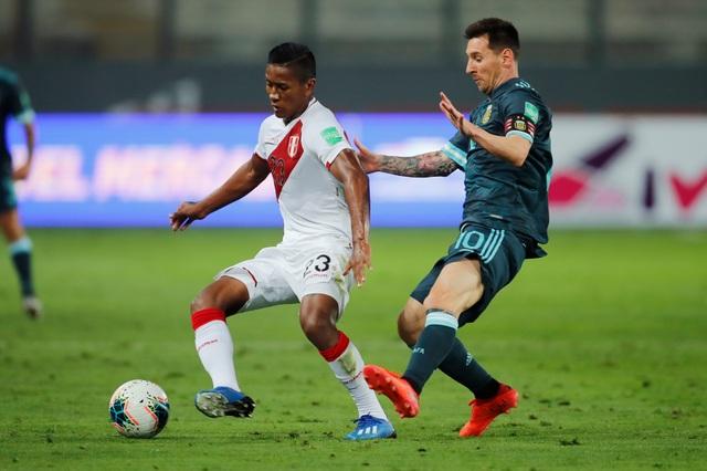 Messi không ghi bàn, Argentina vẫn dễ dàng đánh bại Peru - 1
