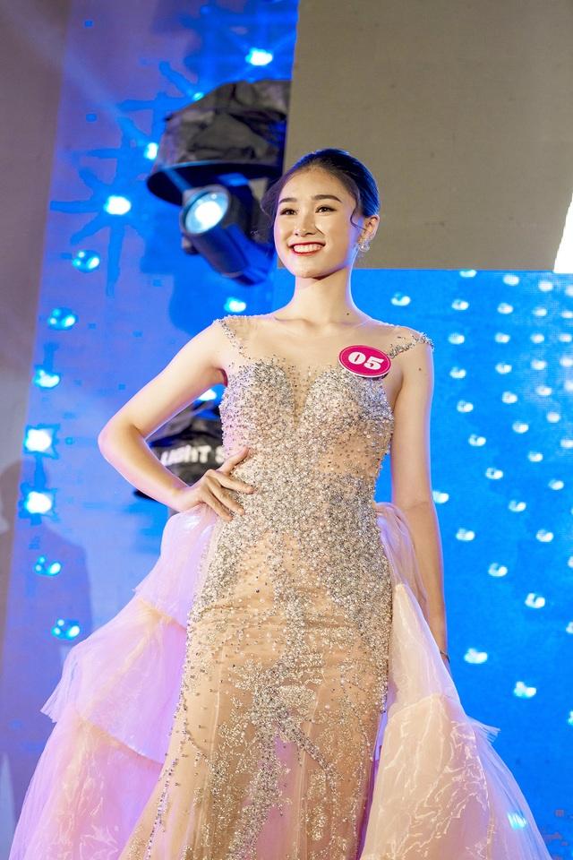 Nữ đại sứ xinh đẹp, thích làm thiện nguyện trường THPT Trần Phú - 3