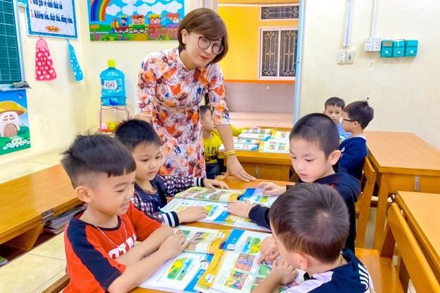 Các thầy cô chia sẻ cách giảm áp lực cho học sinh lớp 1 - 1