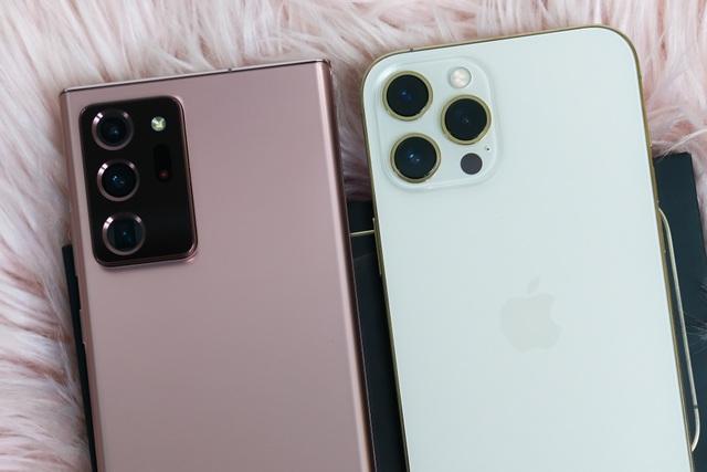 iPhone 12 Pro Max đọ dáng cùng Samsung Galaxy Note20 Ultra - 5
