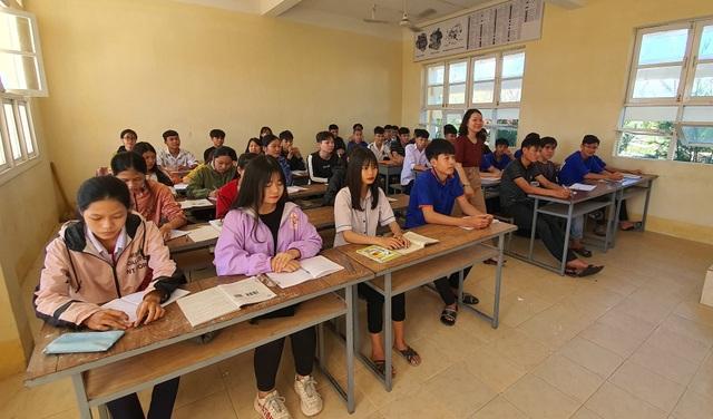 Phú Yên: Lợi ích kép khi vừa học nghề vừa học văn hóa - 4