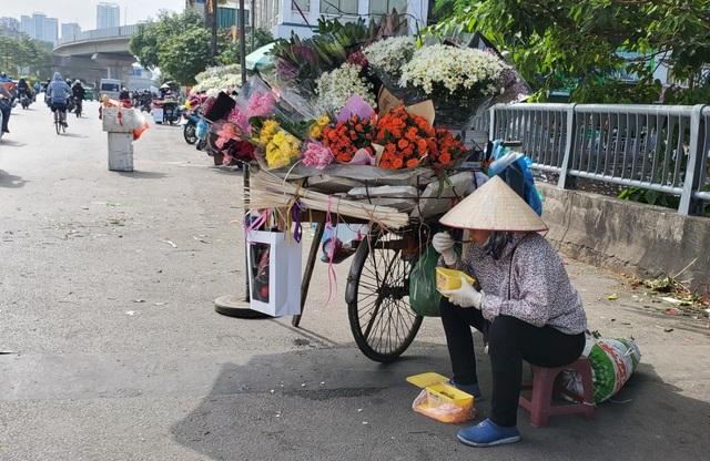 Lao động ngoại tỉnh: Những lát cắt không thể thiếu nơi phố thị - 11