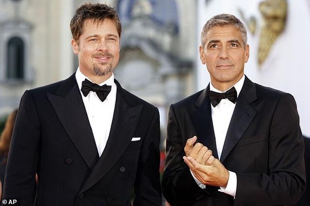 George Clooney gặp tai nạn suýt chết, còn mọi người mải miết chụp hình - 5