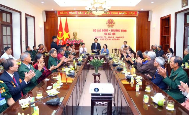 Bộ LĐ-TBXH gặp mặt đoàn đại biểu người có công tỉnh Kon Tum - 2