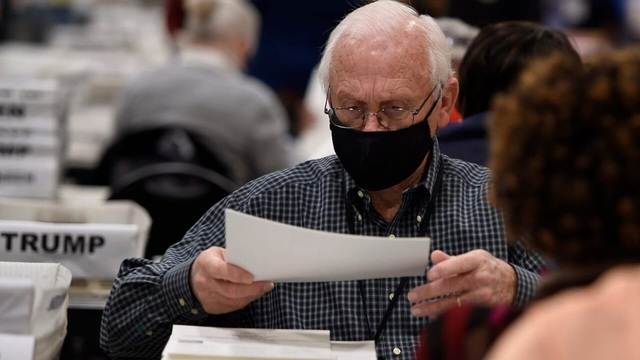 Bang Georgia liên tục phát hiện phiếu bầu cho ông Trump bị sót - 1