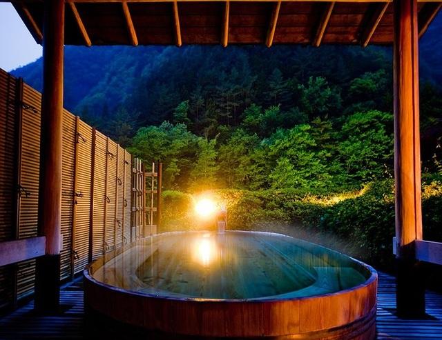 Khách sạn onsen lâu đời nhất thế giới ở Nhật Bản - 4