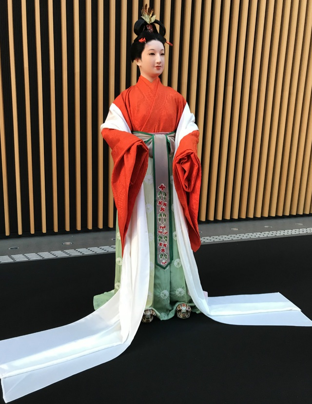 Bộ kimono cổ đắt đỏ nhất Nhật Bản - 5