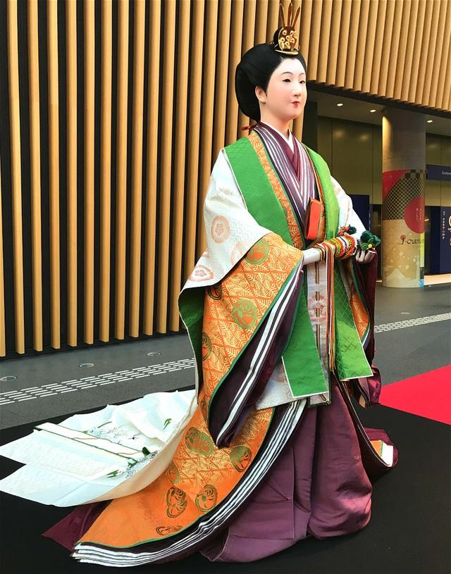 Bộ kimono cổ đắt đỏ nhất Nhật Bản - 9