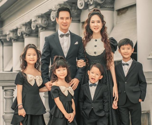 Vợ chồng Lý Hải - Minh Hà tung ảnh gia đình 6 thành viên sau 10 năm kết hôn - 5
