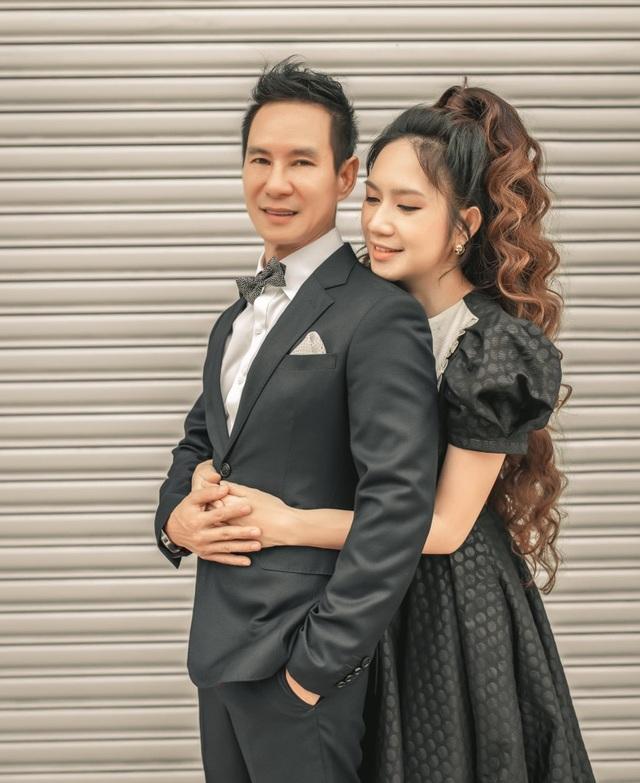 Vợ chồng Lý Hải - Minh Hà tung ảnh gia đình 6 thành viên sau 10 năm kết hôn - 2