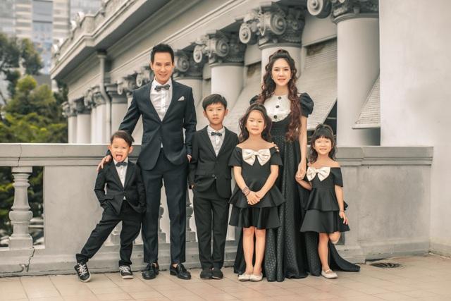 Vợ chồng Lý Hải - Minh Hà tung ảnh gia đình 6 thành viên sau 10 năm kết hôn - 3