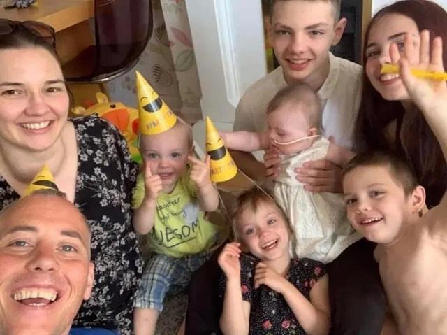 Sau 20 lần sảy thai, mẹ 5 con hạnh phúc đón em bé thứ 6 mắc hội chứng Down - 3