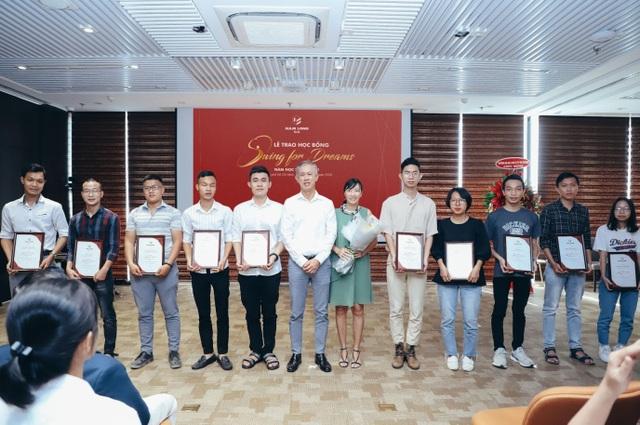 """Tập đoàn Nam Long trao học bổng thường niên """"Swing For Dreams"""" 2020 - 2"""