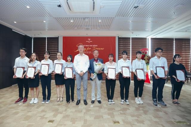 """Tập đoàn Nam Long trao học bổng thường niên """"Swing For Dreams"""" 2020 - 3"""