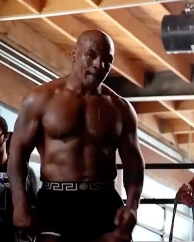 Điều lệ cấm hạ knock-out ở trận đấu sắp diễn ra của Mike Tyson - 1