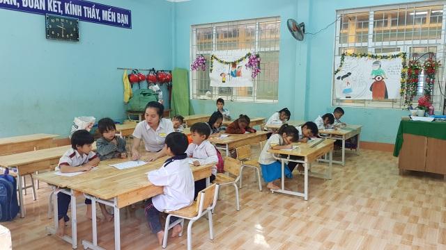 Thầy trò vùng sạt lở Trà Leng trở lại trường sau 3 tuần nghỉ học - 4