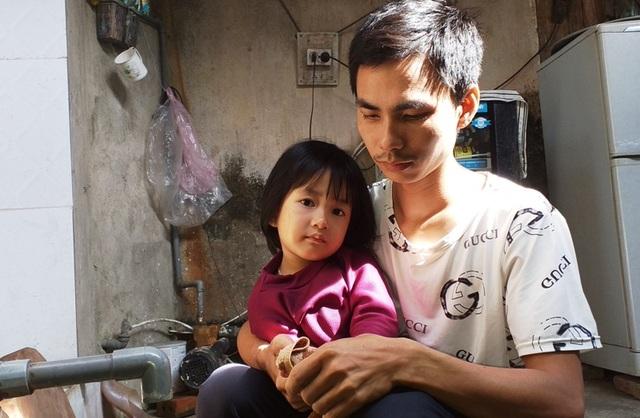 Rớt nước mắt cảnh người phụ nữ nghèo kiệt quệ sau vụ tai nạn giao thông - 2