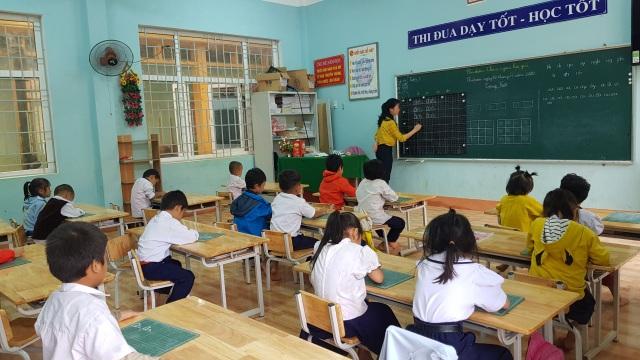 Thầy trò vùng sạt lở Trà Leng trở lại trường sau 3 tuần nghỉ học - 6