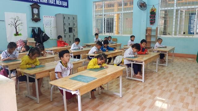 Thầy trò vùng sạt lở Trà Leng trở lại trường sau 3 tuần nghỉ học - 5