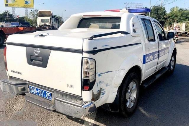 Xe ben vi phạm tông xe CSGT trên đường trốn chạy - 2