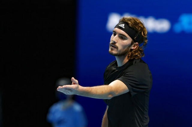 ATP Finals: Đánh bại Tsitsipas, Nadal vào bán kết - 2