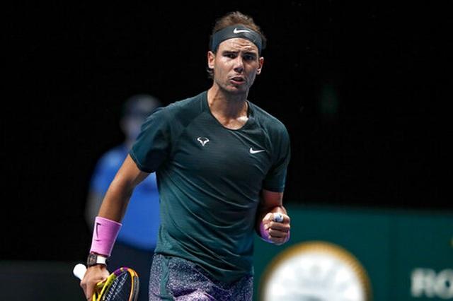 ATP Finals: Đánh bại Tsitsipas, Nadal vào bán kết - 1