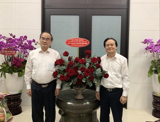 Bộ trưởng Phùng Xuân Nhạ thăm hỏi, chúc mừng các nguyên Bộ trưởng GDĐT - 2