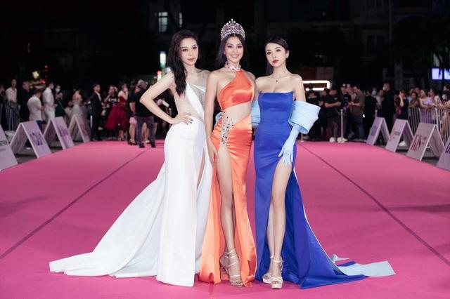 Dàn người đẹp rạng rỡ trên thảm đỏ Chung kết Hoa hậu Việt Nam 2020 - 1