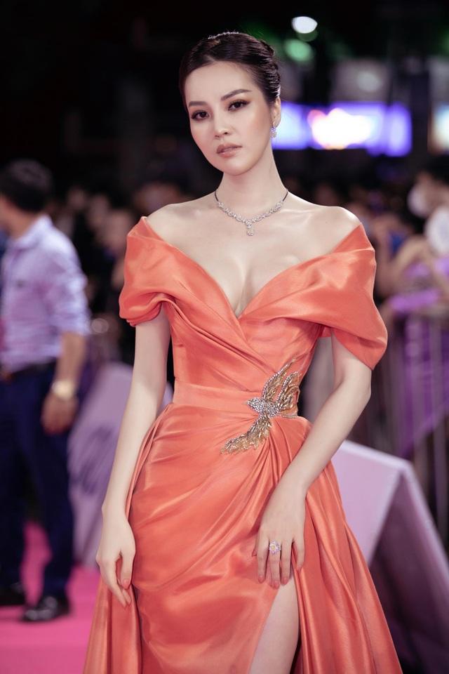 Dàn người đẹp rạng rỡ trên thảm đỏ Chung kết Hoa hậu Việt Nam 2020 - 6