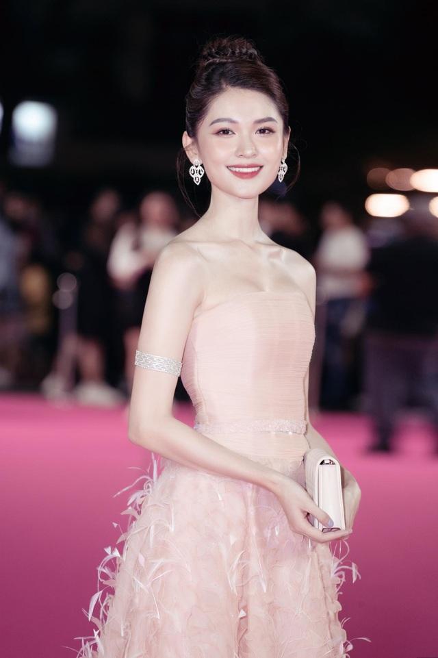 Dàn người đẹp rạng rỡ trên thảm đỏ Chung kết Hoa hậu Việt Nam 2020 - 7